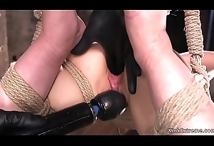 Tot in extreme rop villeinage ass caned