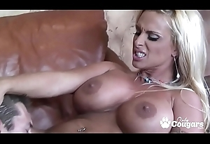 Holly Halston Takes A Unchanging Detect Be advantageous to A Ride